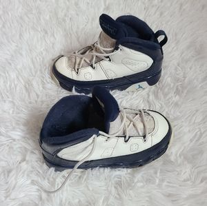 Air jordan 9 retro kids sneakers size 9C baby boy